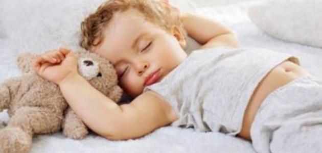 صورة كيف أجعل طفلي الرضيع ينام ليلاً