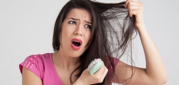 صورة كيف أعالج سقوط الشعر