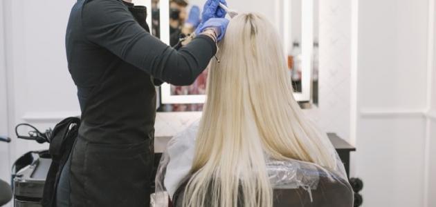 صورة كيفية تشقير الشعر الأسود