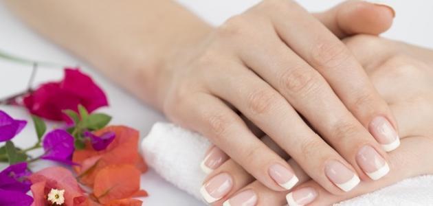 صورة كيفية إزالة رائحة البصل والثوم من اليد